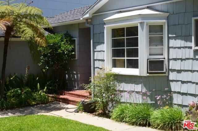 547 STASSI Ln, Santa Monica, CA 90402