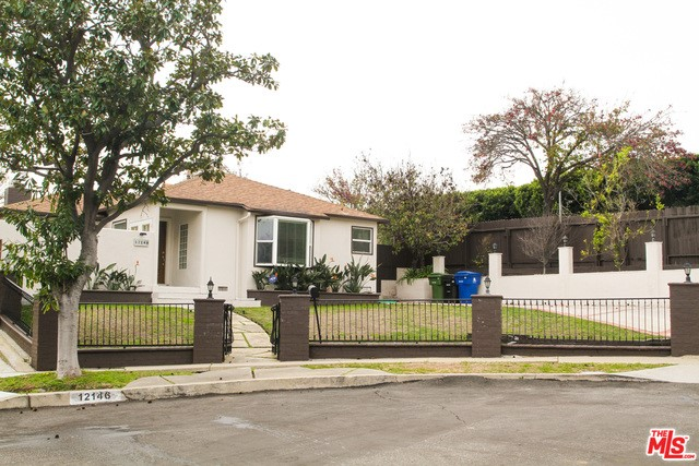 Single Family Home for Rent at 12146 Clarkson Road Los Angeles, California 90064 United States