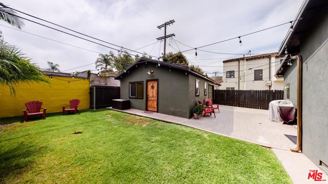 166 N GARDNER Street, Los Angeles CA: http://media.crmls.org/mediaz/374B7EFF-B494-4E85-AA56-1AD302261580.jpg