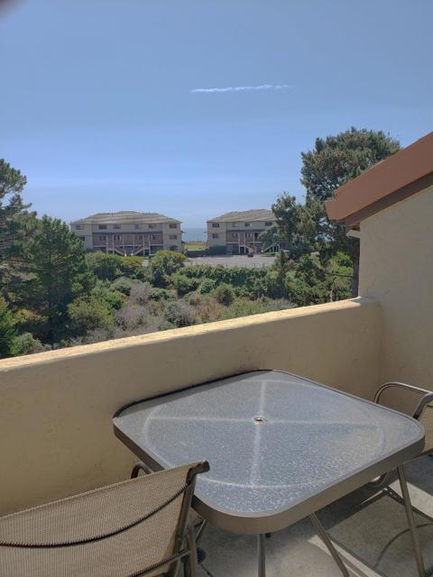 324 Seascape Resort Drive, Aptos CA: http://media.crmls.org/mediaz/37621E6F-C734-40BC-A62F-58599E834DDA.jpg