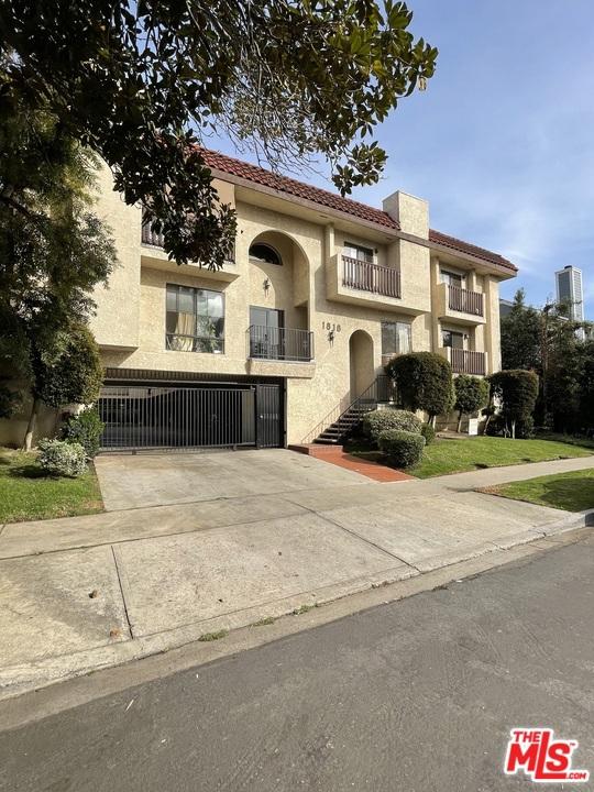 1818 Stoner Avenue, Los Angeles CA: http://media.crmls.org/mediaz/37728E2C-AC81-4683-863D-EF2B8DD2E3AB.jpg