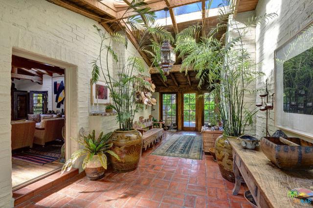 478 W Camino Sur, Palm Springs CA: http://media.crmls.org/mediaz/37B068BA-6CCA-4357-9E29-533DD33C9943.jpg