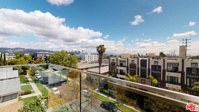 1143 Glenville Drive, Los Angeles CA: http://media.crmls.org/mediaz/37D8249A-1546-494B-B1B8-DB362AAE078F.jpg