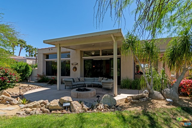 15 Birkdale Circle, Rancho Mirage CA: http://media.crmls.org/mediaz/3813E7CD-78C5-45C3-A8BF-EE04FA4E8D78.jpg