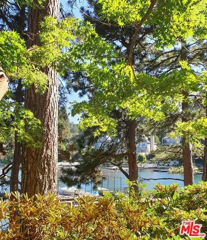 27417 NORTH BAY Road, Lake Arrowhead CA: http://media.crmls.org/mediaz/381B494B-2004-4ACC-B828-DE2639067830.jpg