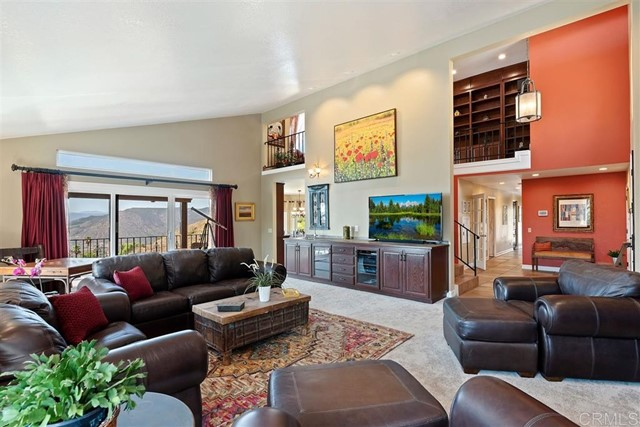 3223 Red Mountain Heights Dr., Fallbrook CA: http://media.crmls.org/mediaz/383A4440-7A2A-4D09-89FF-3D371F96AF82.jpg