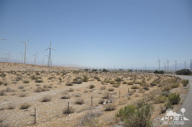 1 10 Hwy 62 Intersection, Palm Springs CA: http://media.crmls.org/mediaz/38D57C03-27A7-474D-B395-117CF888C6A2.jpg