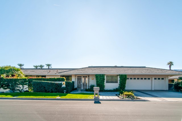 25 Columbia Drive, Rancho Mirage CA: http://media.crmls.org/mediaz/3915AA0C-327B-4CB7-8DC0-39C0D1CBAB48.jpg