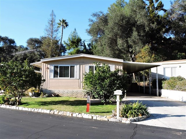 Photo of home for sale at 8975 Lawrence Welk Dr., Escondido CA