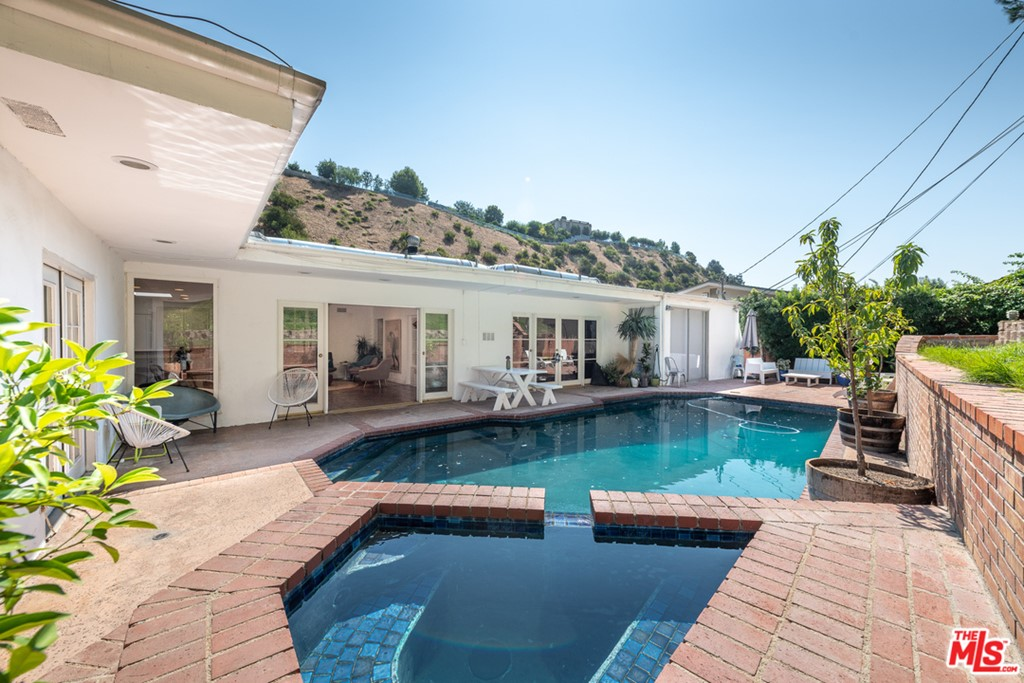 1931 N BEVERLY Drive #  Beverly Hills CA 90210