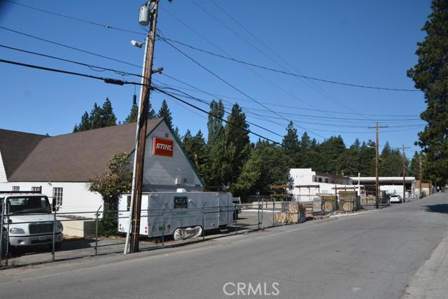 26567 Pine Avenue, Rimforest CA: http://media.crmls.org/mediaz/395390D4-3C6B-413D-AFD4-3E6E33C7286E.jpg