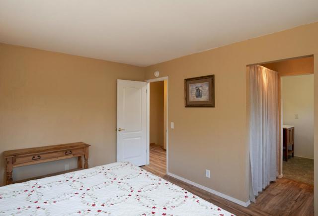 19080 Oak Heights Drive, Salinas CA: http://media.crmls.org/mediaz/3989D3E2-E8F6-4A96-9077-84E3E622C885.jpg