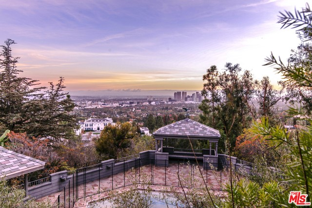 9360 READCREST Drive, Beverly Hills CA 90210
