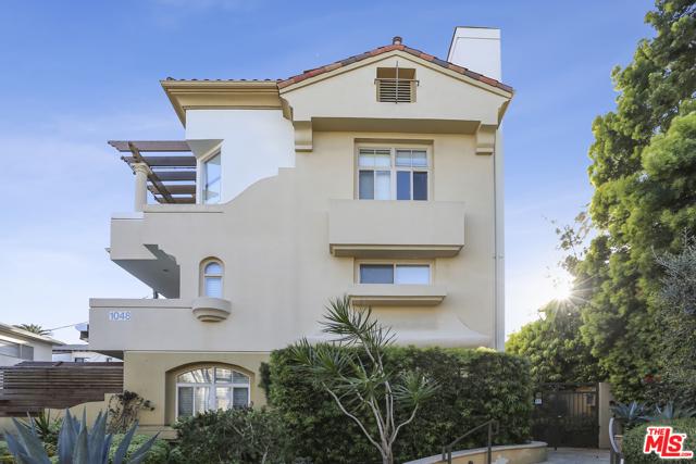 1048 3RD St 101, Santa Monica, CA 90403