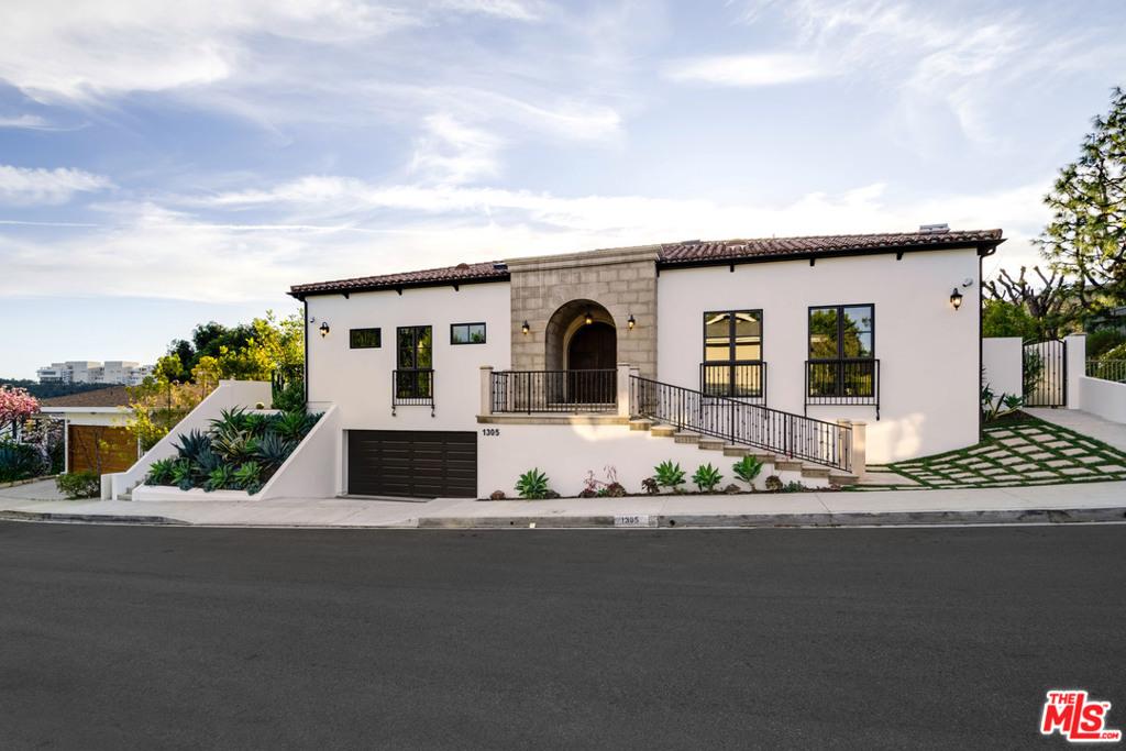 1305 Casiano Road #  Los Angeles CA 90049