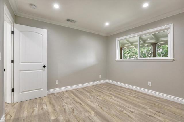 15631 Loma Vista Avenue, Los Gatos CA: http://media.crmls.org/mediaz/39C2A956-41D6-4B8E-819A-E7F8074B907C.jpg