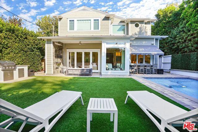 4053 Laurelgrove Avenue, Studio City CA: http://media.crmls.org/mediaz/39F85062-E240-4FC2-8D4D-FB8EBD35A8D2.jpg