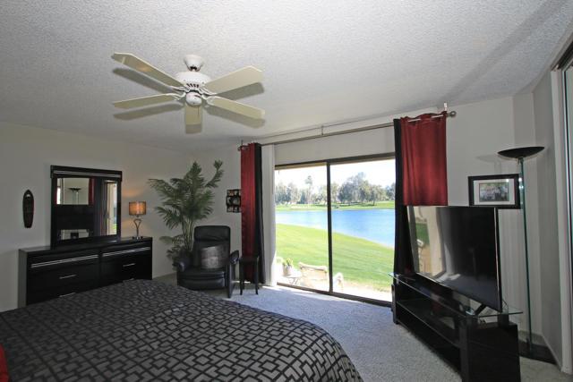 34800 Mission Hills Drive, Rancho Mirage CA: http://media.crmls.org/mediaz/3A0770FB-3E33-4165-9A0C-722DF39C2907.jpg