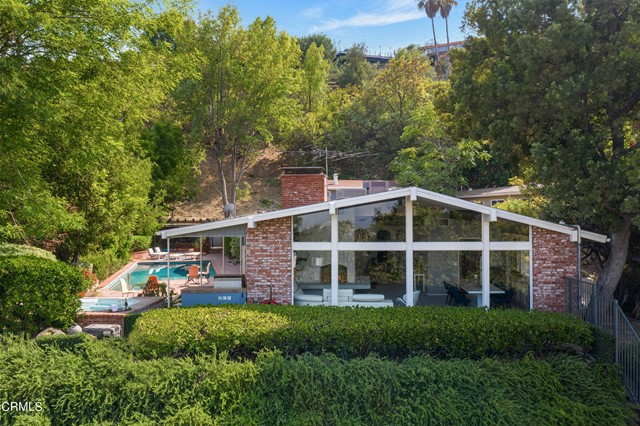 Photo of 17846 Cathedral Place, Encino, CA 91316