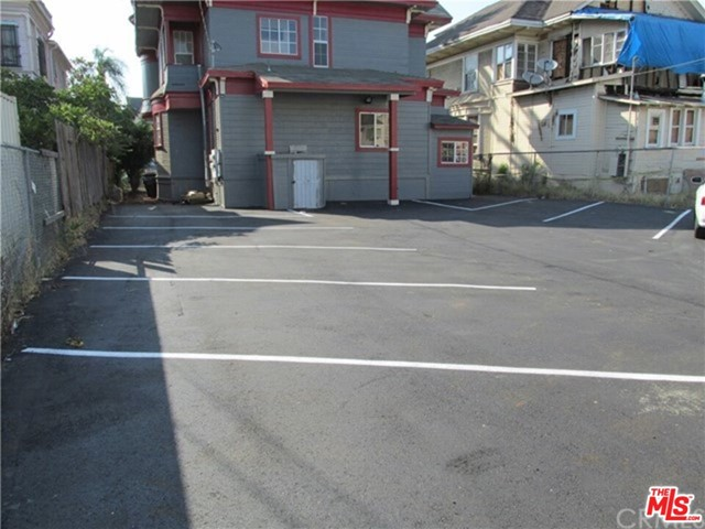1032 S Bonnie Brae Street, Los Angeles CA: http://media.crmls.org/mediaz/3A22113E-4D20-453B-B57B-0F467D2CAF34.jpg
