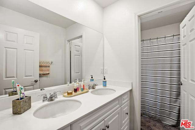 16007 Dexter Street, Chino CA: http://media.crmls.org/mediaz/3A260E29-E9D5-4A89-9E61-6C143166D7CC.jpg