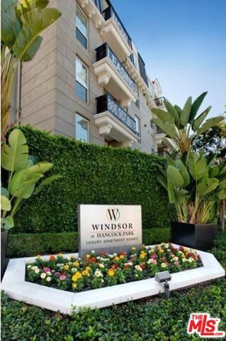Condominium for Rent at 445 Rossmore Avenue N Los Angeles, California 90004 United States