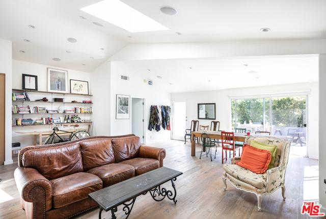 2341 Clement Ave, Venice, CA 90291