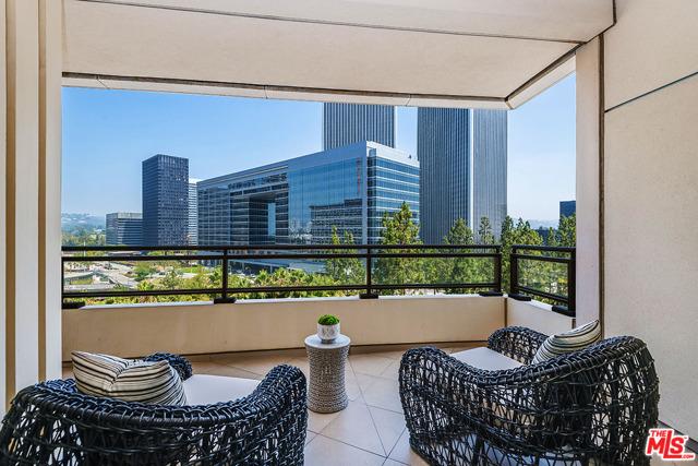 1 W Century Drive, Los Angeles CA: http://media.crmls.org/mediaz/3B179151-6052-4FA6-817F-D94F957FBD70.jpg