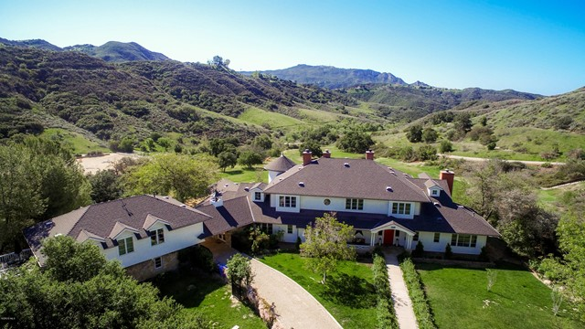 Photo of 24900 Paseo Del Rancho Rd, Calabasas, CA 91302