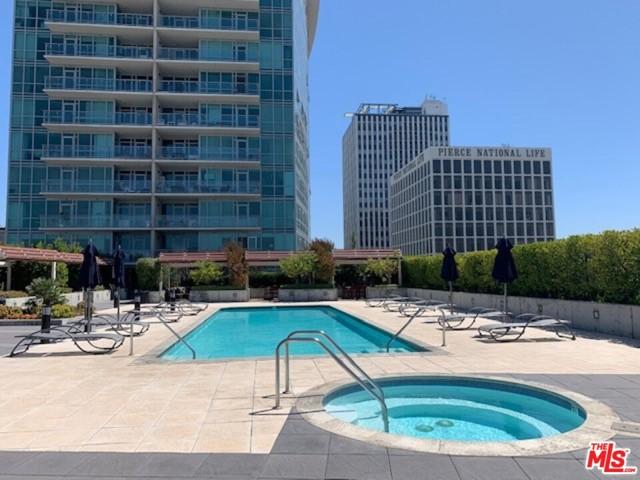 3785 Wilshire Boulevard, Los Angeles CA: http://media.crmls.org/mediaz/3B658437-436E-48E9-A9C4-D70D3A151FD3.jpg