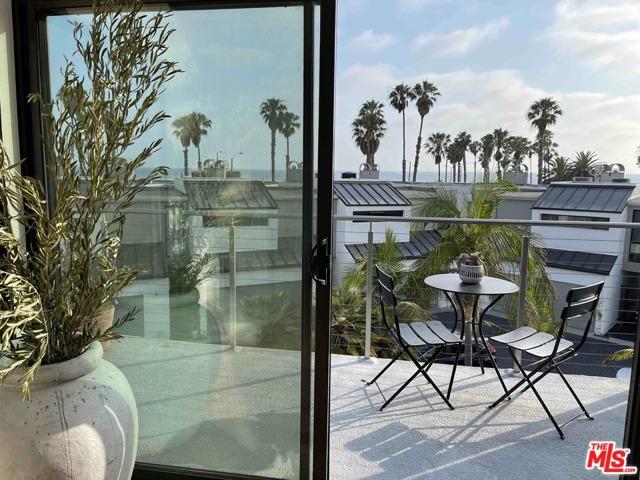 39 Sea Colony Dr, Santa Monica, CA 90405 photo 30