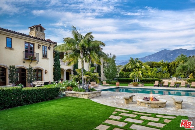 416 Meadowbrook Drive, Montecito CA: http://media.crmls.org/mediaz/3BC39615-8E07-4331-A6AF-859FBBACD4C9.jpg