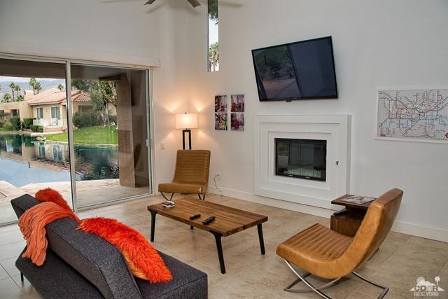 125 Lake Shore Drive, Rancho Mirage CA: http://media.crmls.org/mediaz/3C35C6B6-078D-4B32-8AC8-AC3FEA0FFDBB.jpg