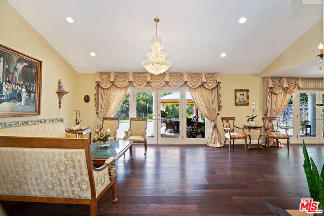 4311 Coquette Place, Tarzana CA: http://media.crmls.org/mediaz/3C40F38C-7135-45B5-B93D-BC41B9804C0F.jpg