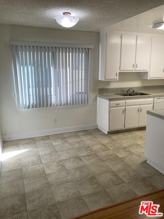 8722 Delgany Avenue, Playa del Rey CA: http://media.crmls.org/mediaz/3CCDFE37-8AC0-4442-A08E-66A703747762.jpg