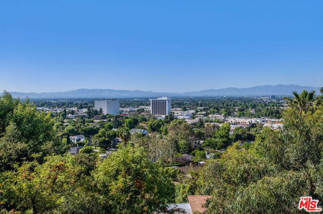 14645 Round Valley Drive, Sherman Oaks CA: http://media.crmls.org/mediaz/3CF3E48F-C22A-4933-AB6A-61BED4A7D4B7.jpg