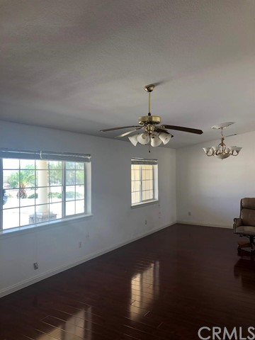 24030 Cahuilla Road, Apple Valley CA: http://media.crmls.org/mediaz/3D11BF0F-A621-44D3-856C-B97D44509E95.jpg