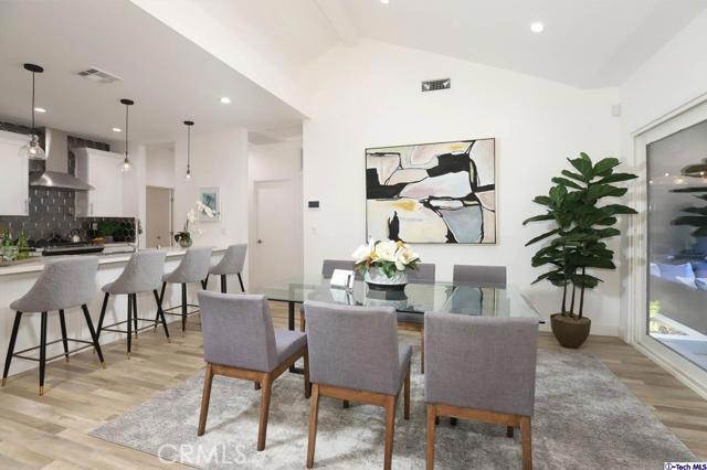 5043 Ramsdell Avenue, La Crescenta CA: http://media.crmls.org/mediaz/3D52E9FF-66F4-4EEC-B500-415276C43068.jpg