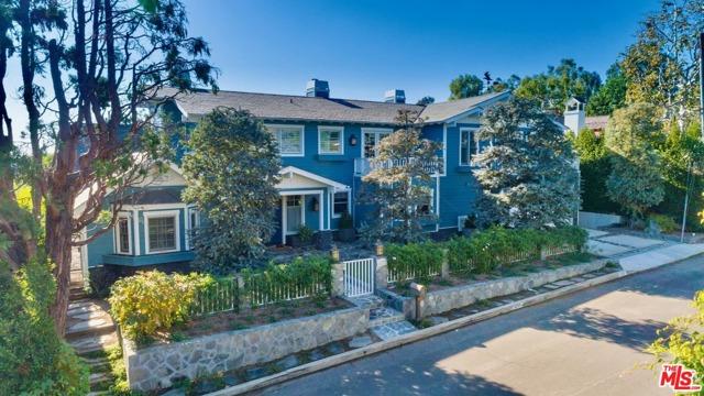 1237 Villa Woods Pacific Palisades CA 90272