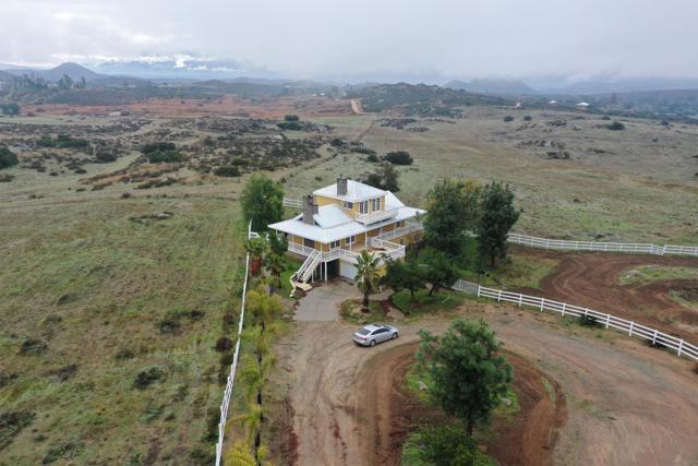 39201 San Ignacio Road, Hemet CA: http://media.crmls.org/mediaz/3D7AD553-2A92-452D-8943-88DF77E37871.jpg