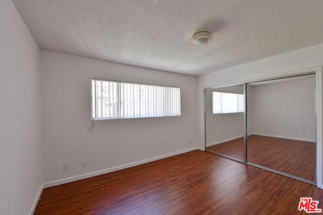 136 S PALM Drive, Beverly Hills CA: http://media.crmls.org/mediaz/3DCD768E-A03C-454F-966D-64710C2A8930.jpg