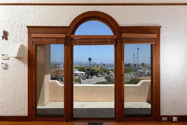 1092 Evergreen, San Diego CA: http://media.crmls.org/mediaz/3E9412D5-0B54-48A3-A1AE-C66A9B64369B.jpg
