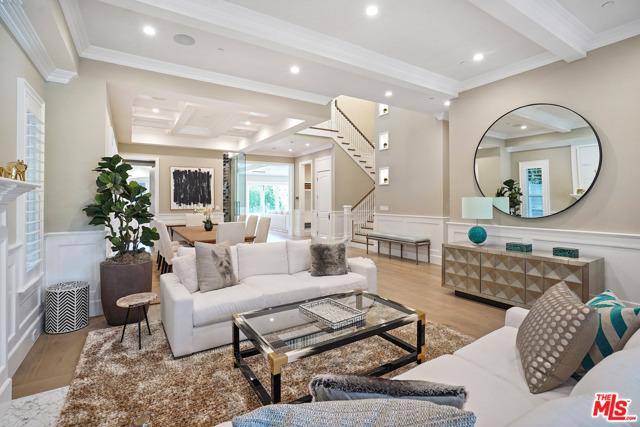 4053 Laurelgrove Avenue, Studio City CA: http://media.crmls.org/mediaz/3EB55BCC-0782-4F1C-950E-ED9133BA2FD1.jpg