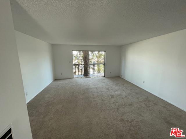 730 N Eucalyptus Ave 27, Inglewood, CA 90302 photo 2