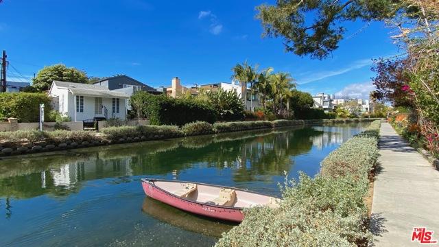 3003 Grand Canal Venice CA 90291
