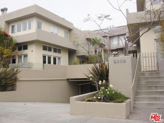 Townhouse for Rent at 2203 3RD Street Santa Monica, California 90405 United States