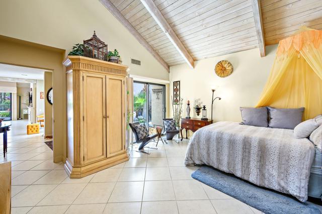 369 Wimbledon Drive, Rancho Mirage CA: http://media.crmls.org/mediaz/3FDDB5B3-C38A-41AF-B429-7885A90AFE96.jpg