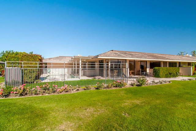 25 Columbia Drive, Rancho Mirage CA: http://media.crmls.org/mediaz/3FDF8129-862A-4D6D-9DD6-91575A160851.jpg