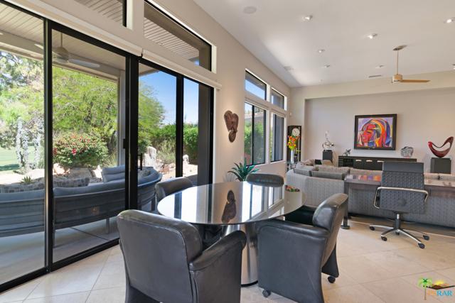 15 Birkdale Circle, Rancho Mirage CA: http://media.crmls.org/mediaz/3FEE08EA-9522-48BB-977D-005C520CF0F0.jpg