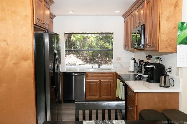 10620 Villa Bonita, Spring Valley CA: http://media.crmls.org/mediaz/3de3757b-f409-4a81-8112-1a82ec474979.jpg